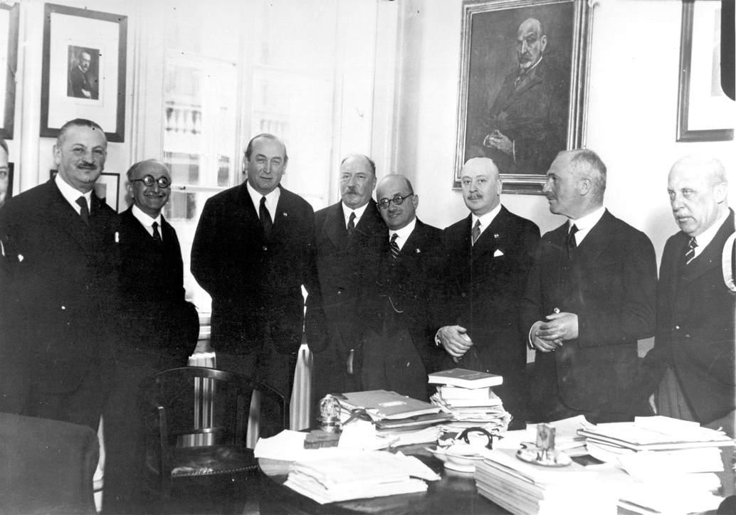 Chorin among the leaders of the National Association of Industrialists during the visit of Prime Minister Gyula Gömbös (fourth from the right)