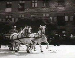 A pozsonyi neológ hitközség főrabbija megáldja IV. Károly magyar királyt (1917)
